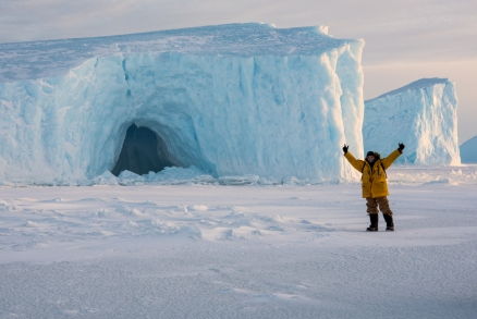 I also had my photo taken in fron of this ice berg