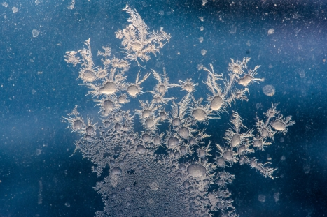 Ice crystals on the window - Nikon Micro 105mm f2.8